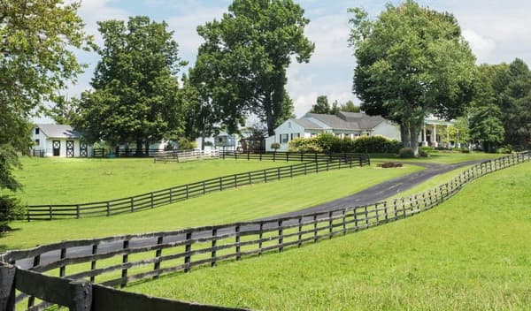 Cette propriété de 17 hectares est située à Lexington.