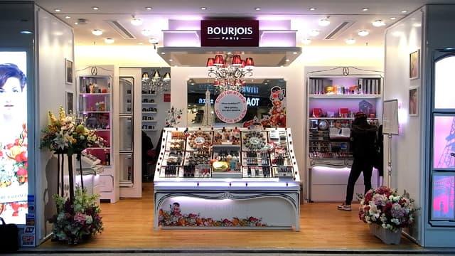 Bourjois est présent dans une cinquantaine de pays (ici à Hong Kong).