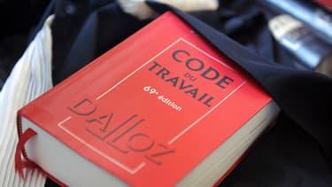 """Le code du travail est considéré comme """"illisible"""" par 76% de Français."""
