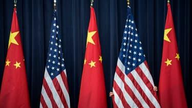 Les exportations chinoises et américaines reculent au deuxième trimestre selon l'OCDE.
