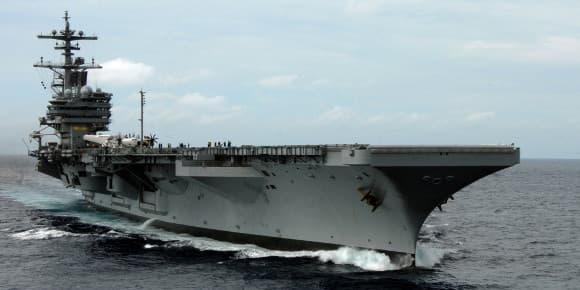 L'USS George H. W. Bush dans l'océan Atlantique.