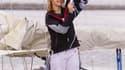 La jeune navigatrice néerlandaise, Laura Dekker, 14 ans, a quitté les Pays-Bas mercredi pour rallier le Portugal, point de départ de sa tentative de tour du monde à la voile en solitaire. /Photo prise le 4 août 2010/REUTERS/Michael Kooren