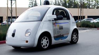Les nouvelles directives, élaborées à partir de celles prises sous la présidence Obama, sont centrées sur les systèmes qui vont bien au-delà des systèmes automatisés de parking ou de freinage aujourd'hui largement disponibles dans les voitures classiques.