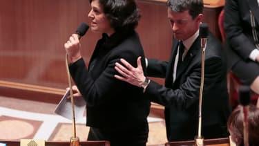 Myriam El-Khomri et Manuel Valls veulent assouplir les règles du temps de travail.