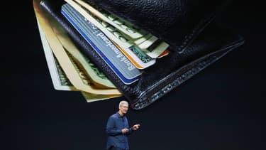 """Tim Cook (PDG d'Apple) : """"L'année dernière, Apple a versé plus de 7,8milliards d'euros à des sociétés et fournisseurs européens""""."""