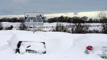 En 2013, d'importantes chutes de neige ont beaucoup perturbé le trafic dans la Manche.