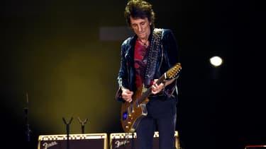 Le guitariste des Rolling Stones Ronnie Wiid a révélé avoir été atteint d'un cancer du poumon.