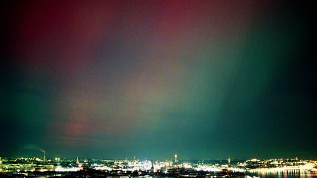 Ces deux tempêtes devraient produire des aurores boréales spectaculaires partout dans le ciel nord américain (ici, une aurore boréale en Suède en 2001, image d'illustration).