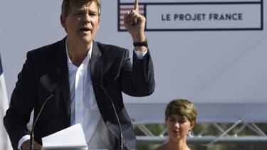 Arnaud Montebourg n'exclut pas de nationaliser un egrande banque française, en cas d'arrivée au pouvoir.