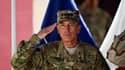 Cérémonie de passation de pouvoir à Kaboul entre le commandant en chef des forces américaines en Afghanistan le général David Petraeus (photo) et le général américain John Allen. Petraeus s'apprête à rejoindre Washington en tant que nouveau directeur de l