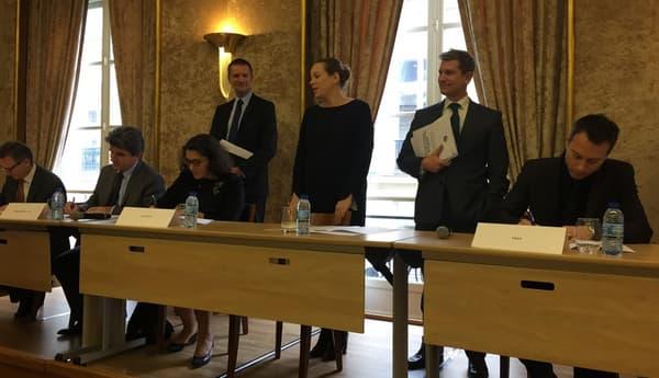Signature de la charte en présence d'Axelle Lemaire