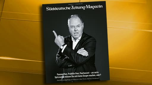 Le candidat du SPD allemand, Peer Steinbrück, pose en une d'un magazine en train de faire un doigt d'honneur.