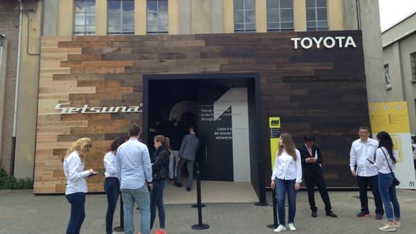 Pour sa première participation, Toyota a travaillé sur le concept de durabilité, avec le bois pour matière principal. Ou comment envisager une voiture qui dure sur une vie complète et se transmet entre générations.