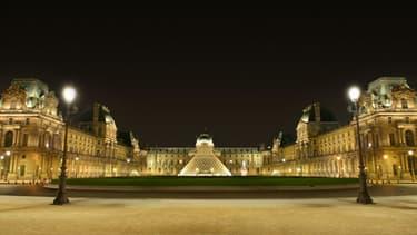 Toshiba éclaire déjà depuis un an la Cour Napoléon du Louvre
