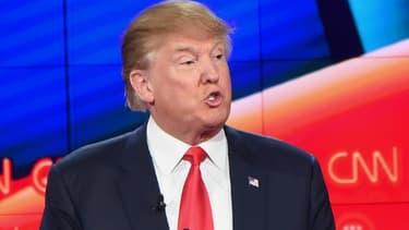Donald Trump, candidat à la primaire républicaine, lors d'un débat sur CNN à Las Vegas, le 15 décembre 2015